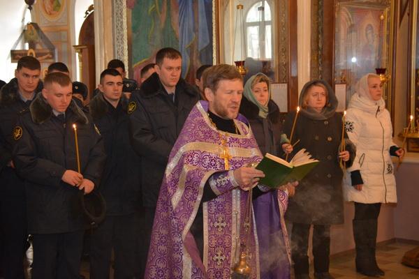 В соборе Святой Троицы Ижевска прошла панихида по погибшим сотрудникам уголовно-исполнительной системы Удмуртии